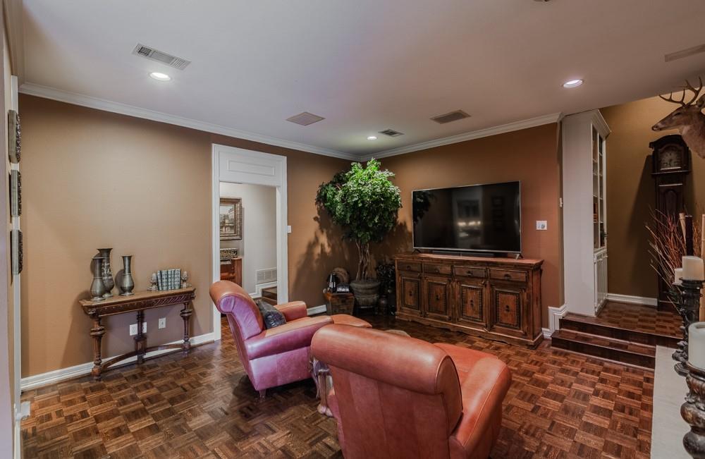 6917 Hillpark  Drive, Dallas, Texas 75230 - acquisto real estate best real estate company to work for