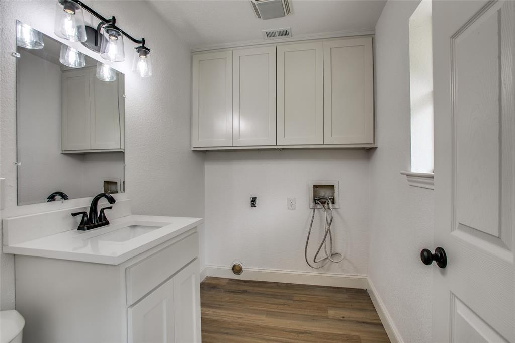 8700 Eagleview  Court, Fort Worth, Texas 76179 - acquisto real estate best negotiating realtor linda miller declutter realtor
