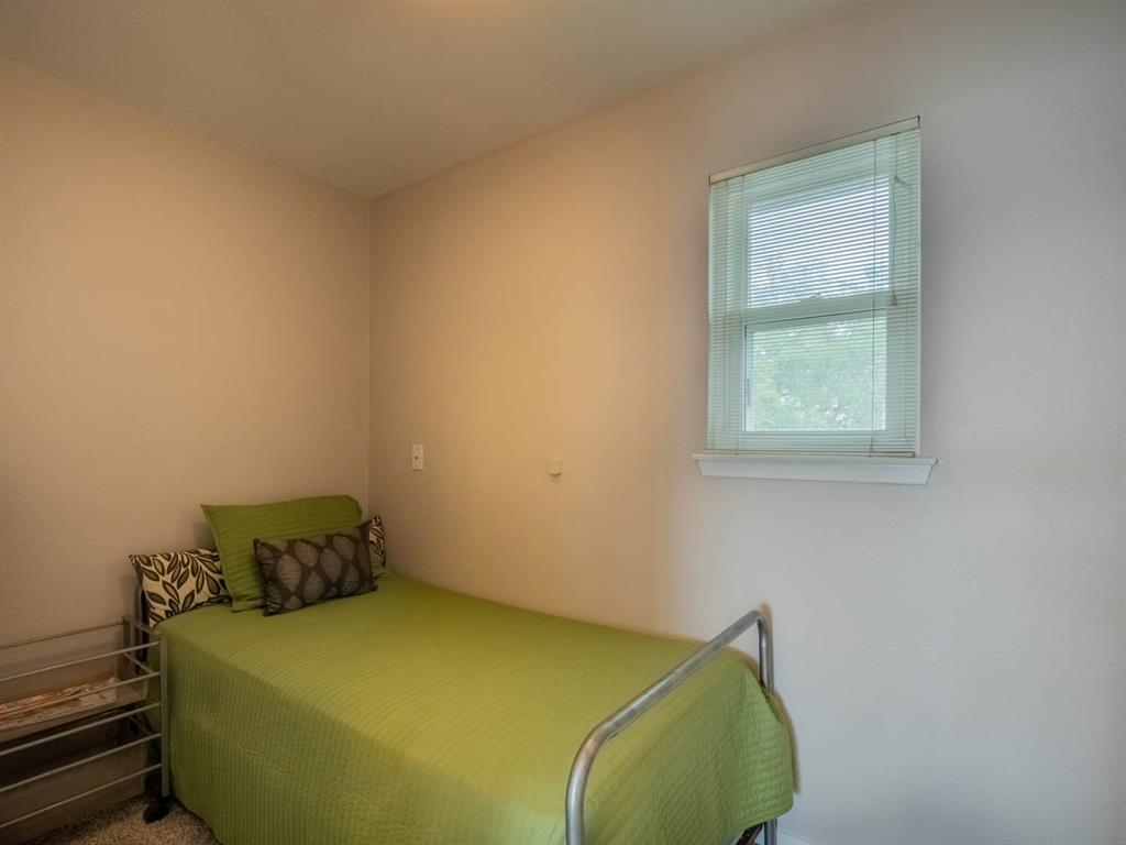 5615 Thunderbird  Court, De Cordova, Texas 76049 - acquisto real estate best realtor foreclosure real estate mike shepeherd walnut grove realtor
