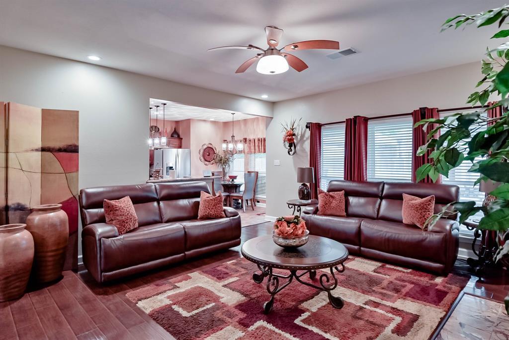 5707 Longhorn  Lane, Arlington, Texas 76017 - acquisto real estate best new home sales realtor linda miller executor real estate
