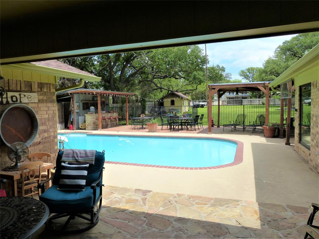 1111 Live Oak  Brady, Texas 76825 - Acquisto Real Estate best frisco realtor Amy Gasperini 1031 exchange expert