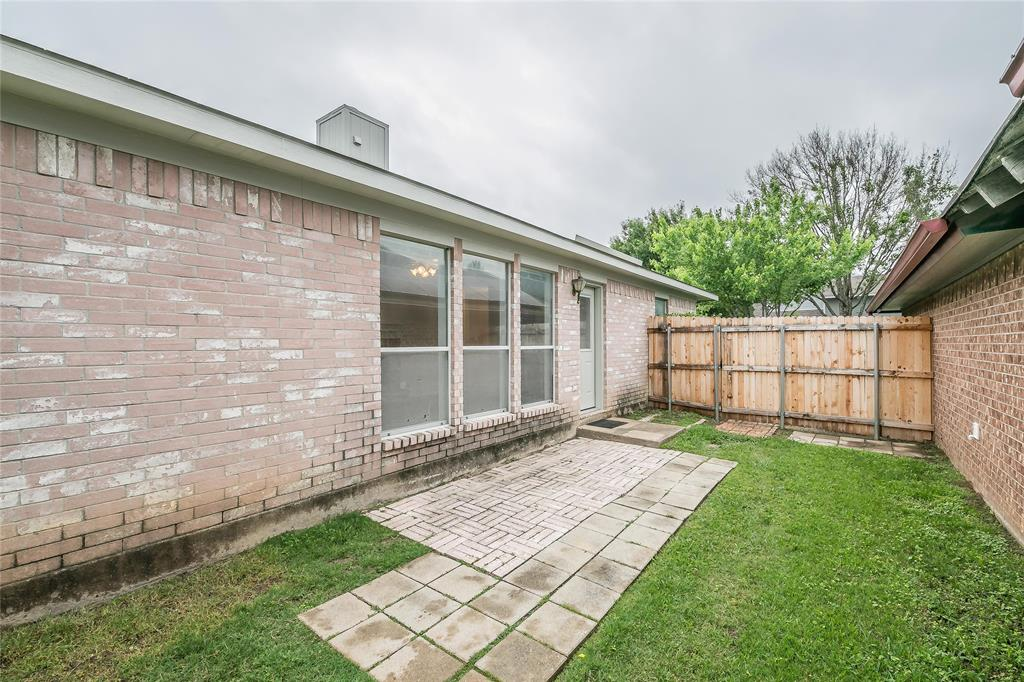 1605 Dorchester  Street, Fort Worth, Texas 76134 - acquisto real estate best negotiating realtor linda miller declutter realtor