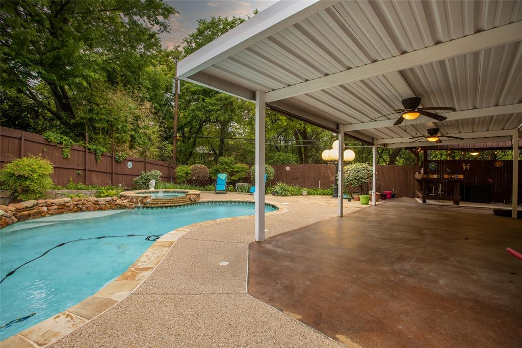 913 Circle  Lane, Bedford, Texas 76022 - acquisto real estate best luxury home specialist shana acquisto
