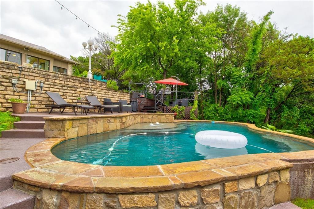 4315 Fairway  Drive, Granbury, Texas 76049 - acquisto real estate mvp award real estate logan lawrence