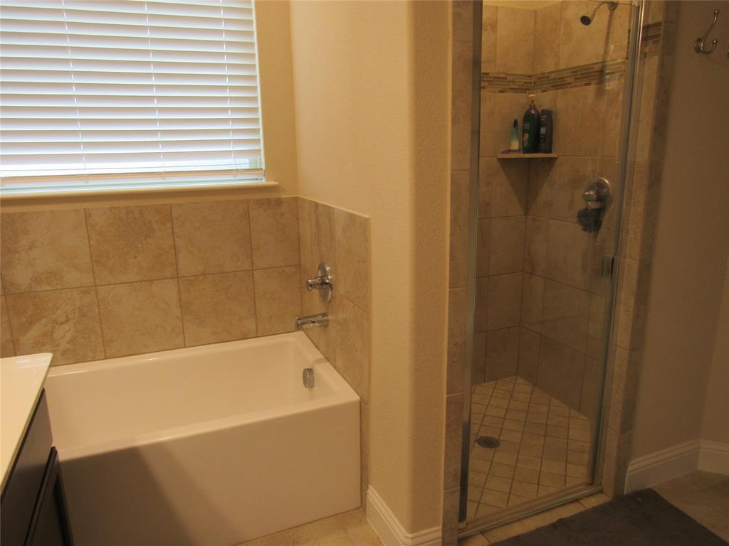 1438 Blue Bonnett  Boulevard, Gainesville, Texas 76240 - acquisto real estate best listing agent in the nation shana acquisto estate realtor