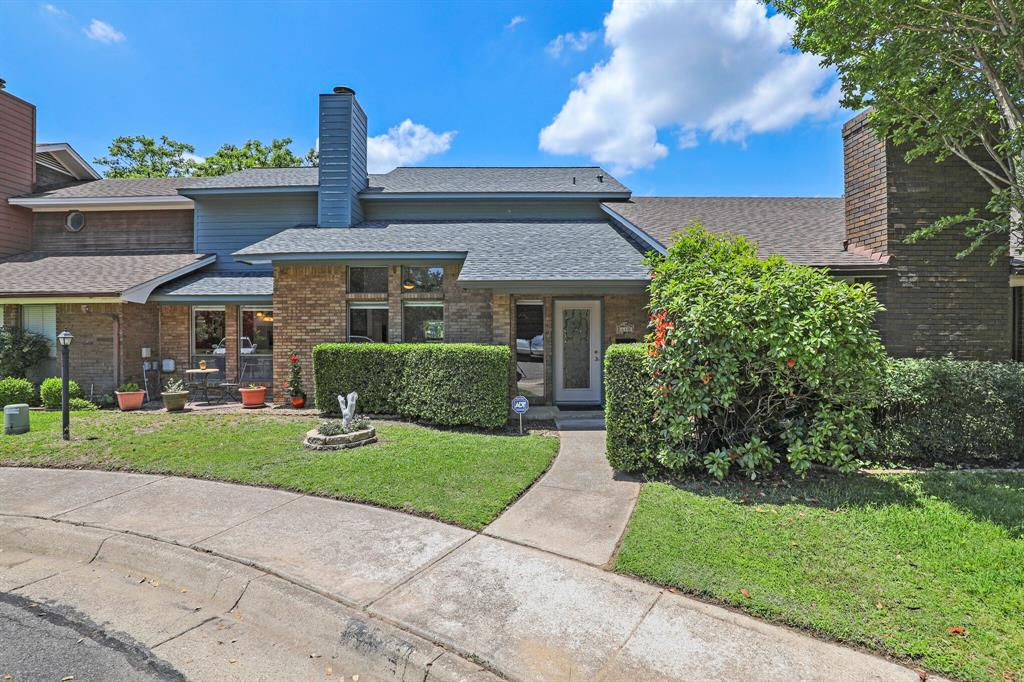 640 St Charles  Court, Arlington, Texas 76013 - Acquisto Real Estate best plano realtor mike Shepherd home owners association expert
