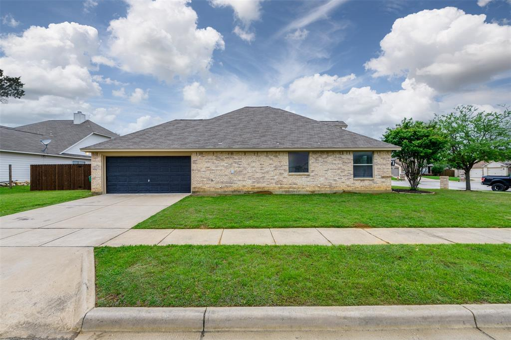 908 Glenview  Circle, Aubrey, Texas 76227 - acquisto real estate best prosper realtor susan cancemi windfarms realtor