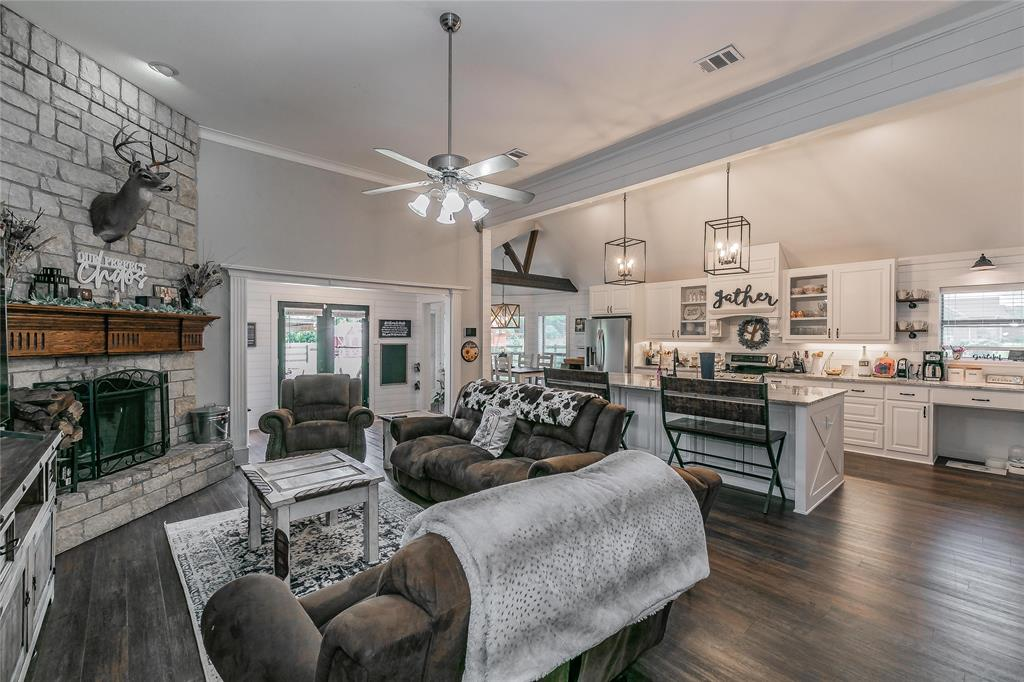 132 Fossil Rock  Drive, Azle, Texas 76020 - acquisto real estate best style realtor kim miller best real estate reviews dfw