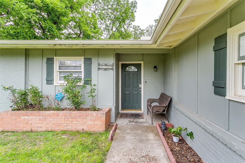 2214 Ridgeway  Street, Arlington, Texas 76010 - acquisto real estate best allen realtor kim miller hunters creek expert