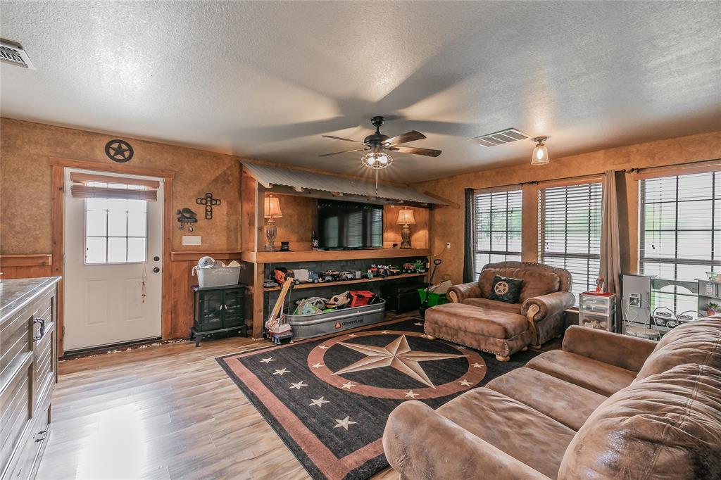 132 Fossil Rock  Drive, Azle, Texas 76020 - acquisto real estate best highland park realtor amy gasperini fast real estate service