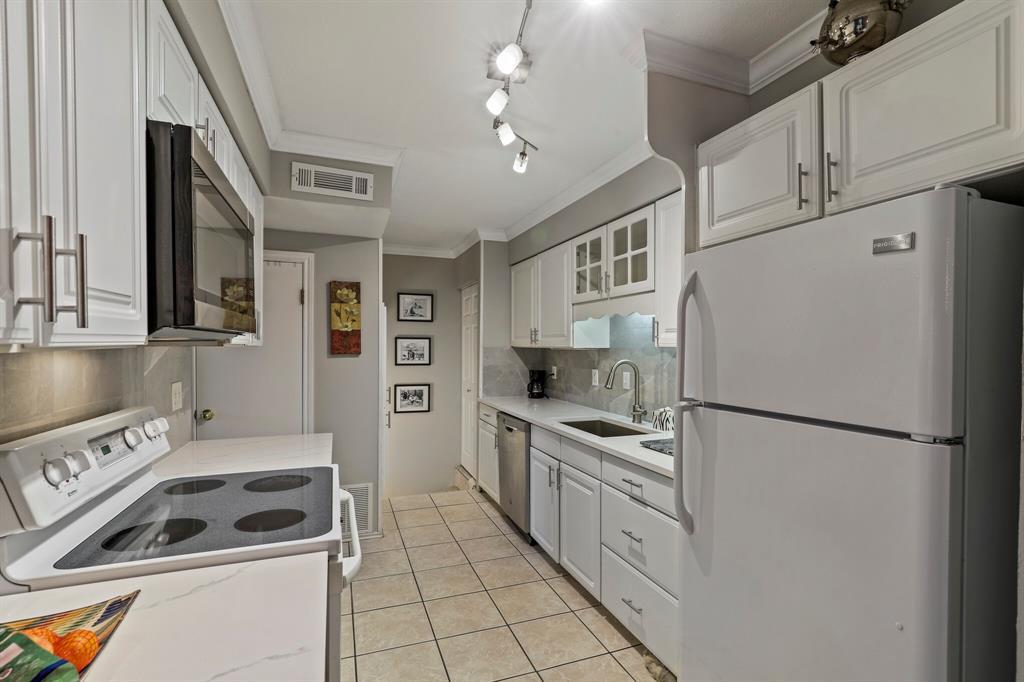 2612 Custer  Parkway, Richardson, Texas 75080 - acquisto real estate best celina realtor logan lawrence best dressed realtor