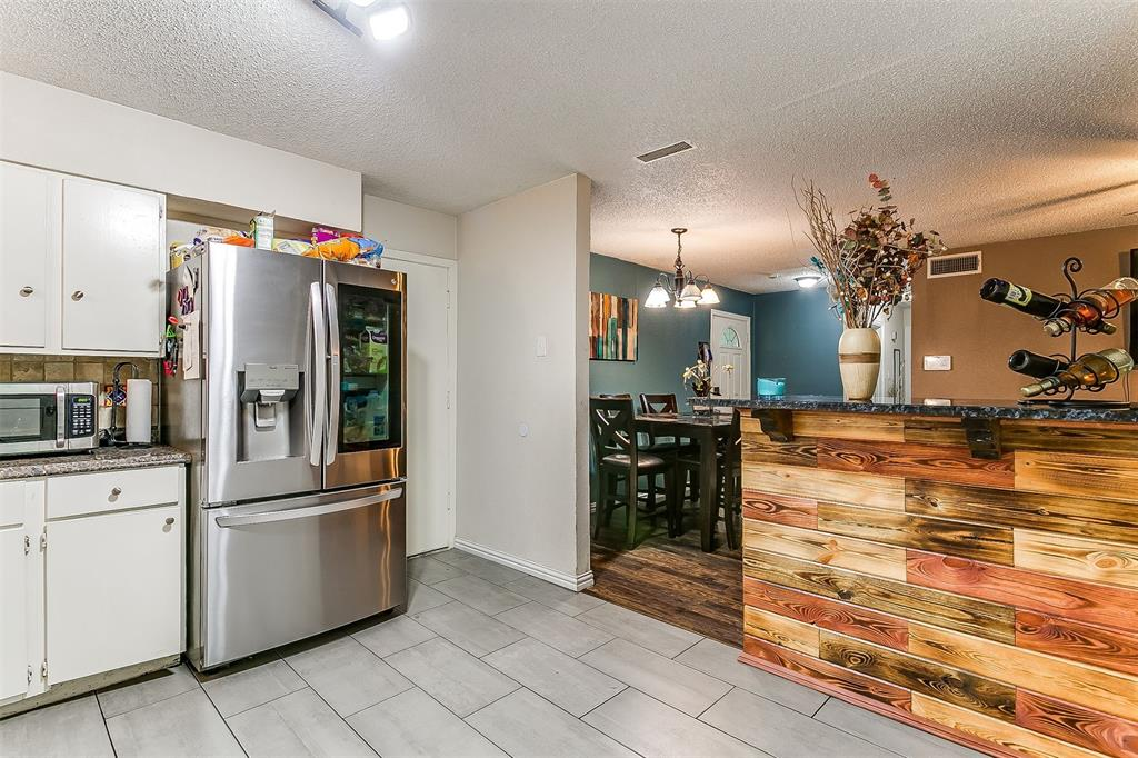 2214 Ridgeway  Street, Arlington, Texas 76010 - acquisto real estate best real estate company to work for
