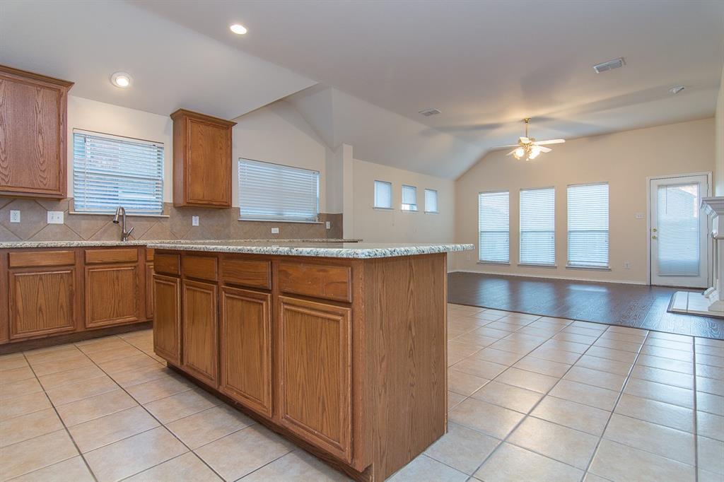 2700 Canyon Bay  McKinney, Texas 75072 - acquisto real estate best prosper realtor susan cancemi windfarms realtor