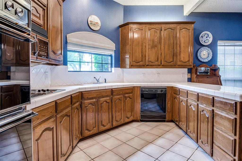 3908 Jamestown  Place, Plano, Texas 75023 - acquisto real estate best real estate company to work for