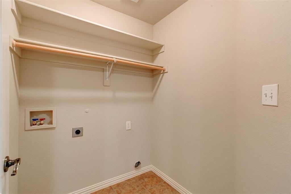 4407 Cluster Oak  Court, Granbury, Texas 76049 - acquisto real estate best realtor dfw jody daley liberty high school realtor