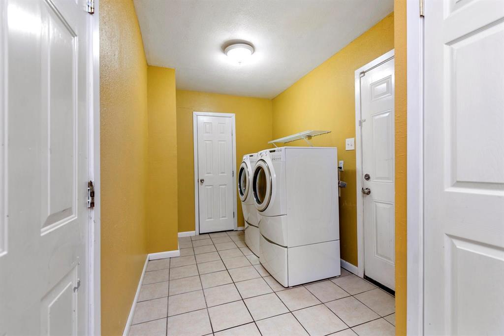 5701 Hanson  Drive, Watauga, Texas 76148 - acquisto real estate best negotiating realtor linda miller declutter realtor