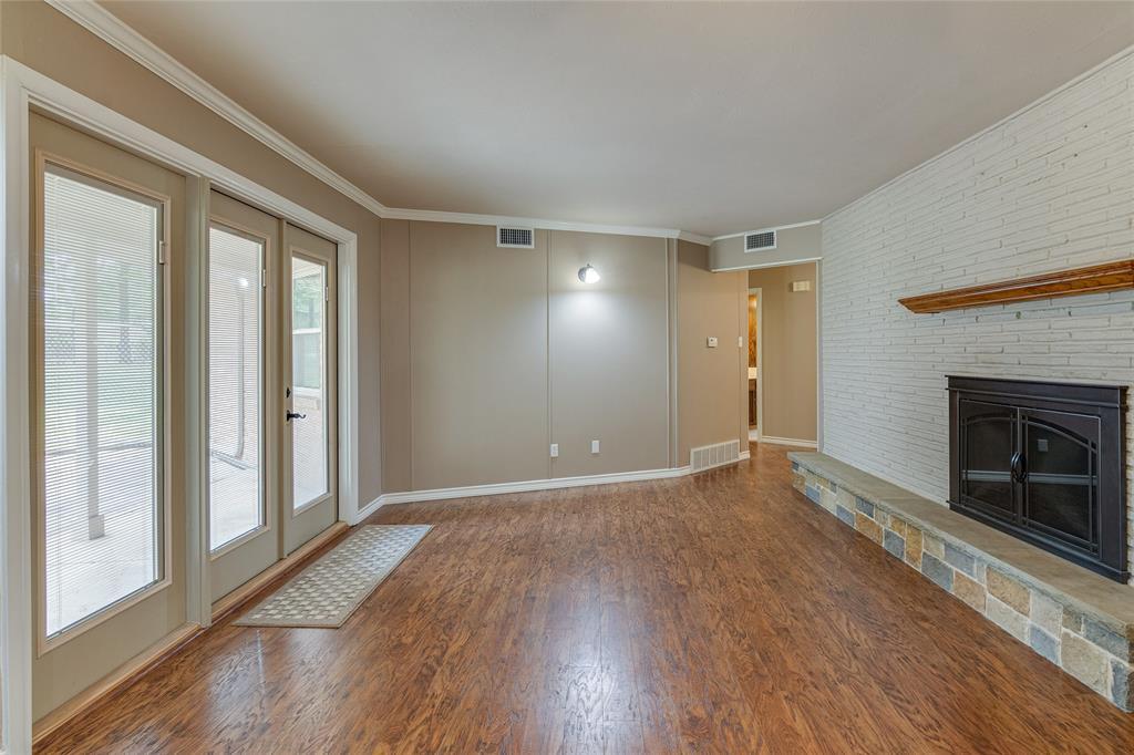 22 Shadowbrook  Lane, Hurst, Texas 76053 - acquisto real estate best style realtor kim miller best real estate reviews dfw