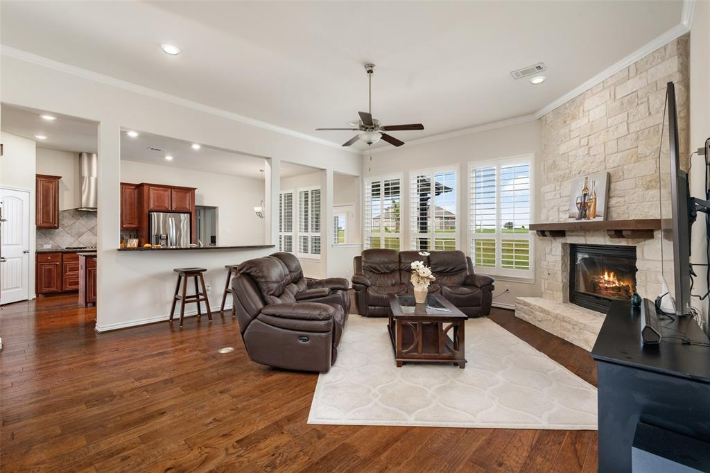 7061 Whispering Oaks  McKinney, Texas 75071 - acquisto real estate best new home sales realtor linda miller executor real estate