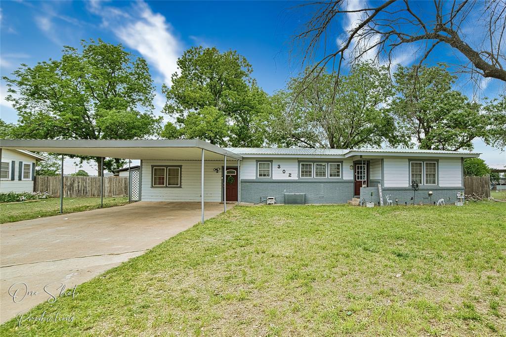 302 Laurel  Drive, Winters, Texas 79567 - Acquisto Real Estate best frisco realtor Amy Gasperini 1031 exchange expert
