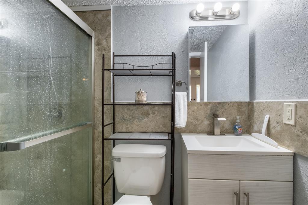 2718 Ivanridge  Lane, Garland, Texas 75044 - acquisto real estate best frisco real estate broker in texas for high net worth buyers