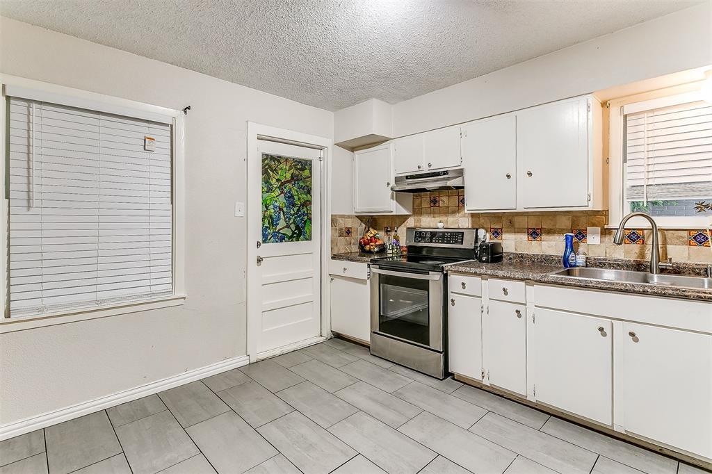 2214 Ridgeway  Street, Arlington, Texas 76010 - acquisto real estate best highland park realtor amy gasperini fast real estate service