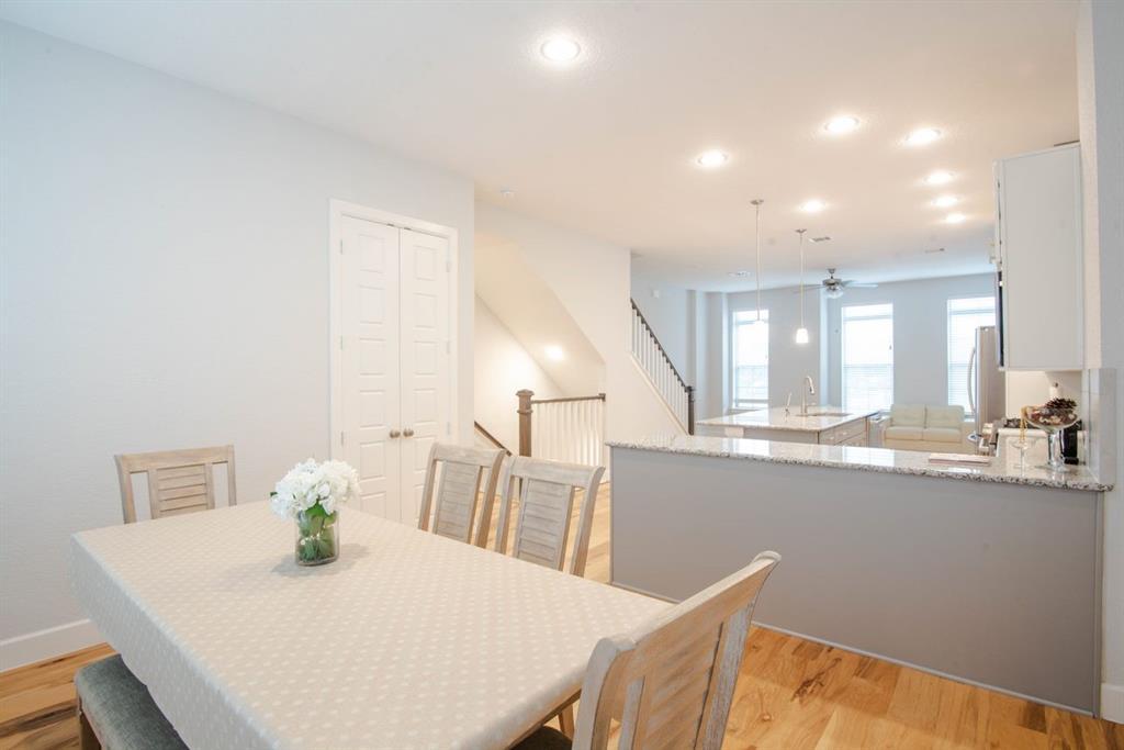1140 Manacor  Lane, Dallas, Texas 75212 - acquisto real estate best real estate company to work for