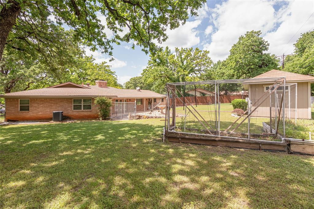 22 Shadowbrook  Lane, Hurst, Texas 76053 - acquisto real estate agent of the year mike shepherd