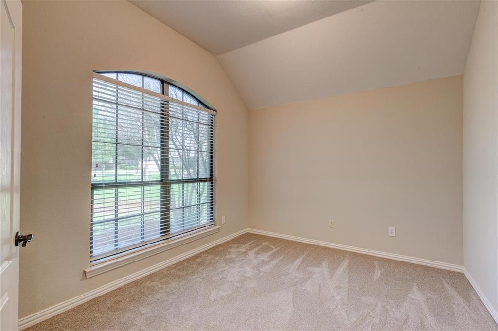 4407 Cluster Oak  Court, Granbury, Texas 76049 - acquisto real estate best celina realtor logan lawrence best dressed realtor