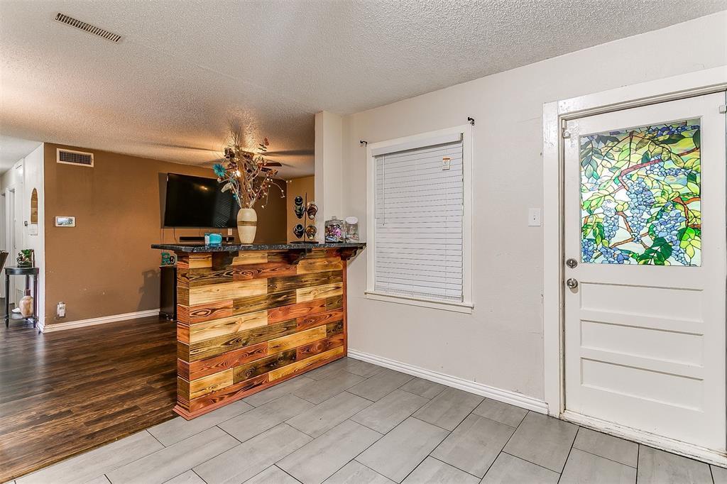 2214 Ridgeway  Street, Arlington, Texas 76010 - acquisto real estate best listing listing agent in texas shana acquisto rich person realtor