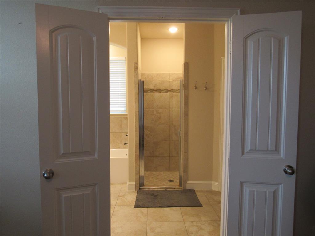 1438 Blue Bonnett  Boulevard, Gainesville, Texas 76240 - acquisto real estate best designer and realtor hannah ewing kind realtor