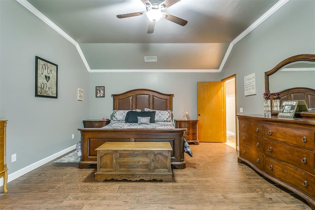 532 Forest Edge  Street, Burleson, Texas 76028 - acquisto real estate best looking realtor in america shana acquisto