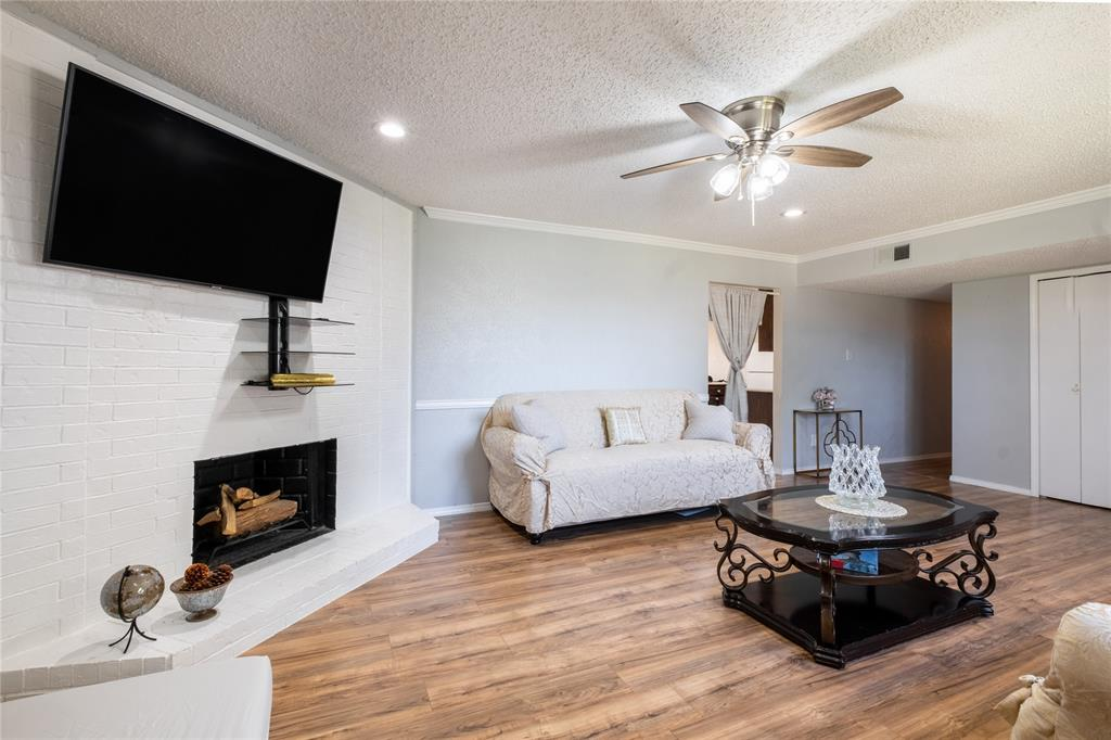 2718 Ivanridge  Lane, Garland, Texas 75044 - acquisto real estate best new home sales realtor linda miller executor real estate