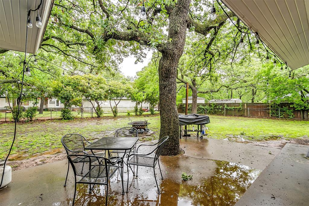 807 11th  Street, Mineral Wells, Texas 76067 - acquisto real estate best park cities realtor kim miller best staging agent