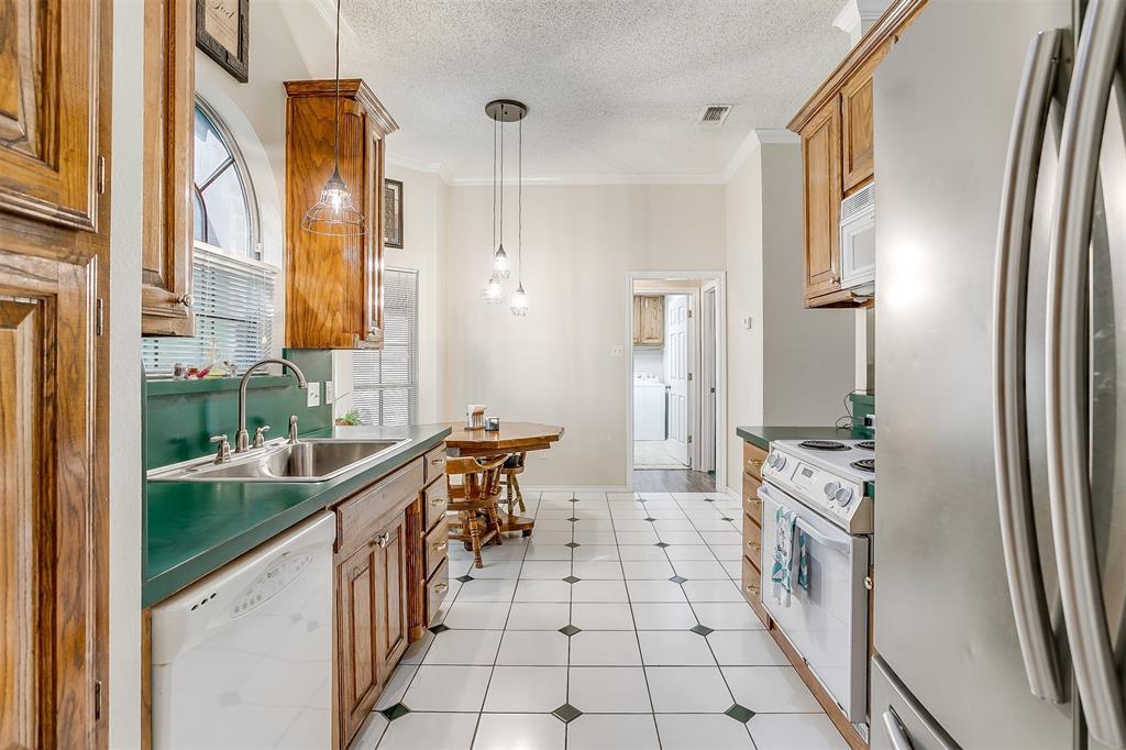 831 Irene  Street, Burleson, Texas 76028 - acquisto real estate best luxury buyers agent in texas shana acquisto inheritance realtor