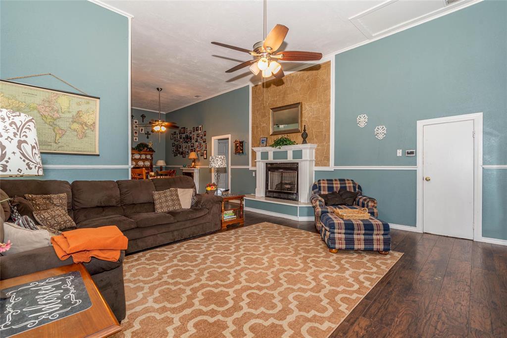 2115 WALWORTH  Greenville, Texas 75401 - acquisto real estate best celina realtor logan lawrence best dressed realtor