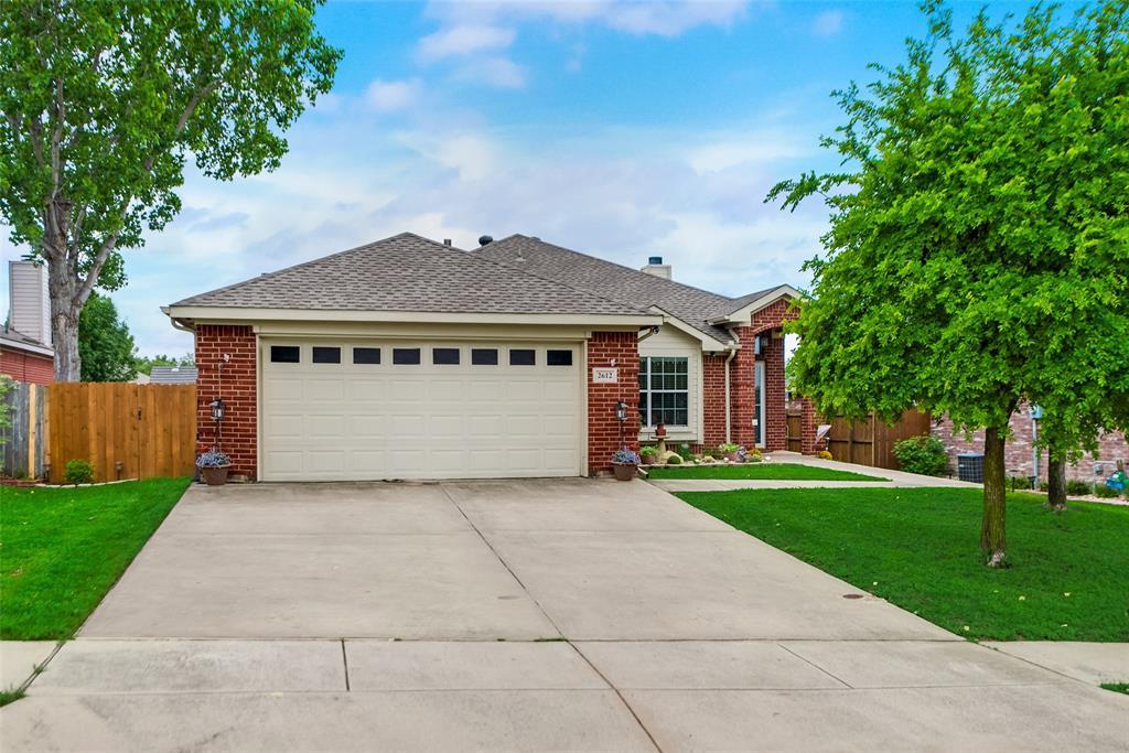 2612 Hilcroft  Avenue, Denton, Texas 76210 - acquisto real estate best prosper realtor susan cancemi windfarms realtor