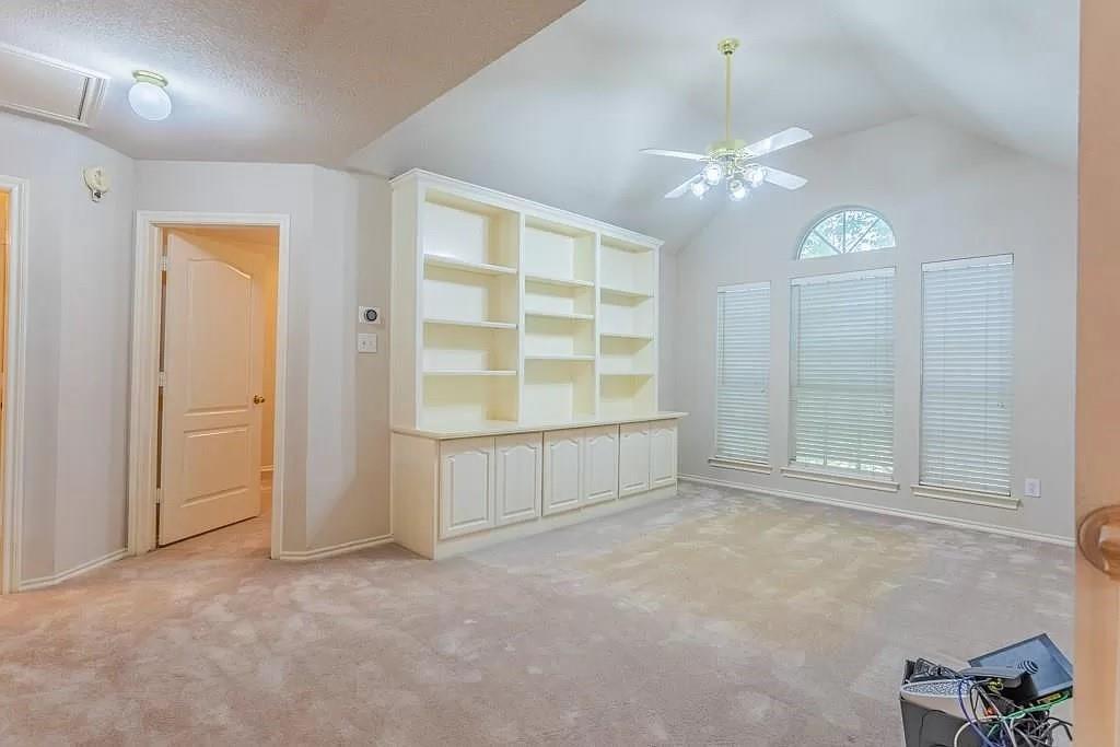 6308 Fannin  Drive, Arlington, Texas 76001 - acquisto real estate best realtor foreclosure real estate mike shepeherd walnut grove realtor