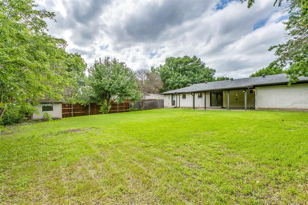 6821 Chickering  Road, Fort Worth, Texas 76116 -