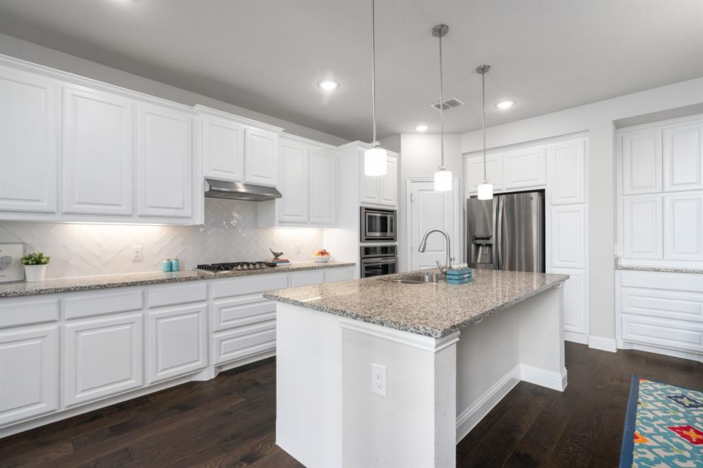 1425 Bird Cherry  Lane, Celina, Texas 75078 - acquisto real estate best new home sales realtor linda miller executor real estate