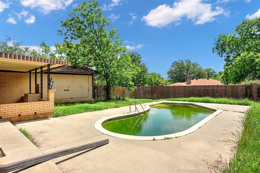 1713 Ridgeway  Drive, Sherman, Texas 75092 - acquisto real estate best plano real estate agent mike shepherd