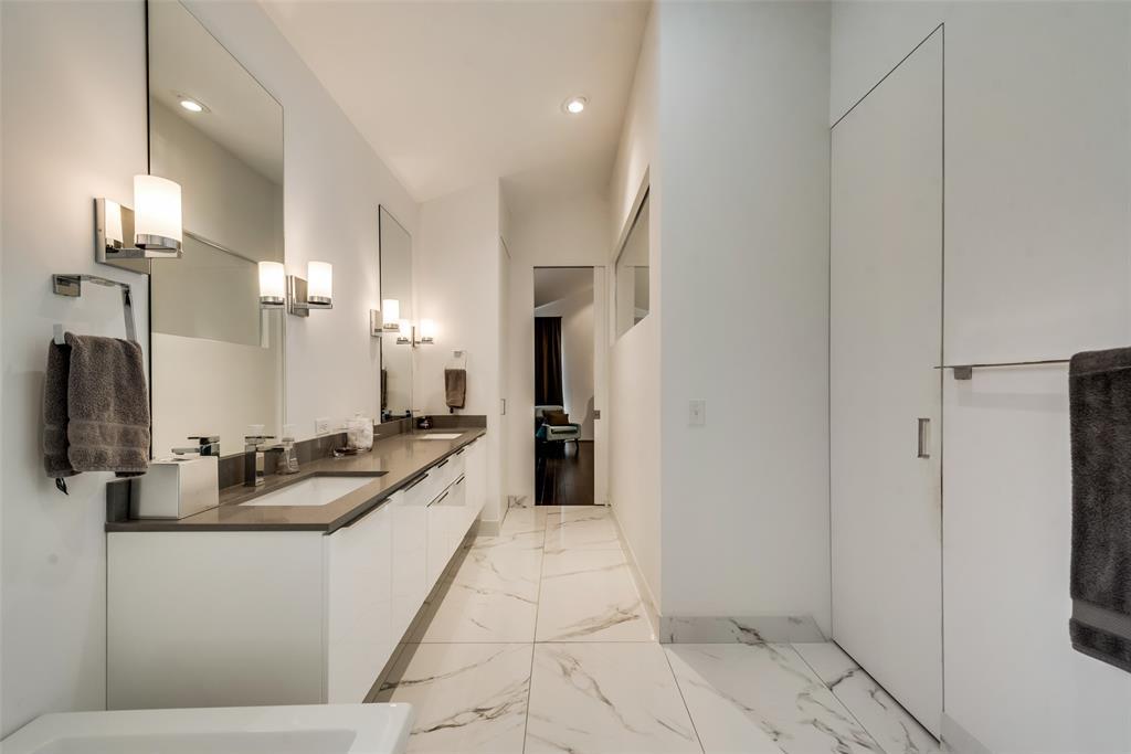 4711 Live Oak  Street, Dallas, Texas 75204 - acquisto real estate best looking realtor in america shana acquisto