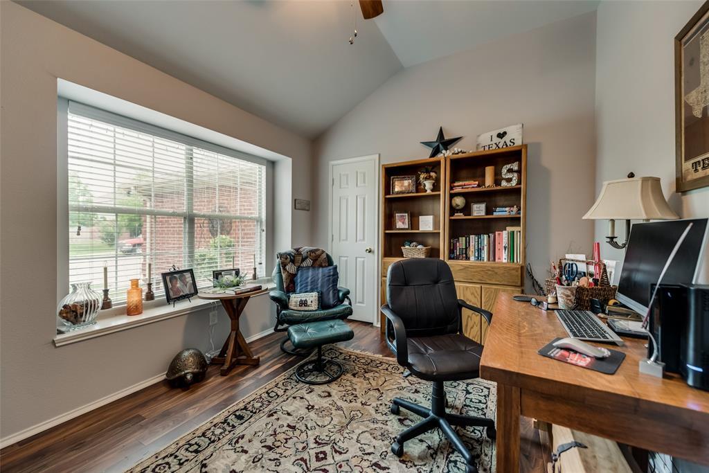 2612 Hilcroft  Avenue, Denton, Texas 76210 - acquisto real estate best listing listing agent in texas shana acquisto rich person realtor