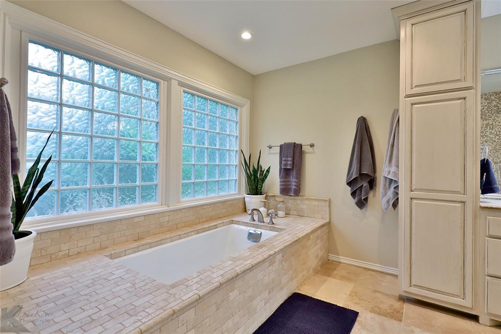 801 Rivercrest  Drive, Abilene, Texas 79605 - acquisto real estate best frisco real estate broker in texas for high net worth buyers