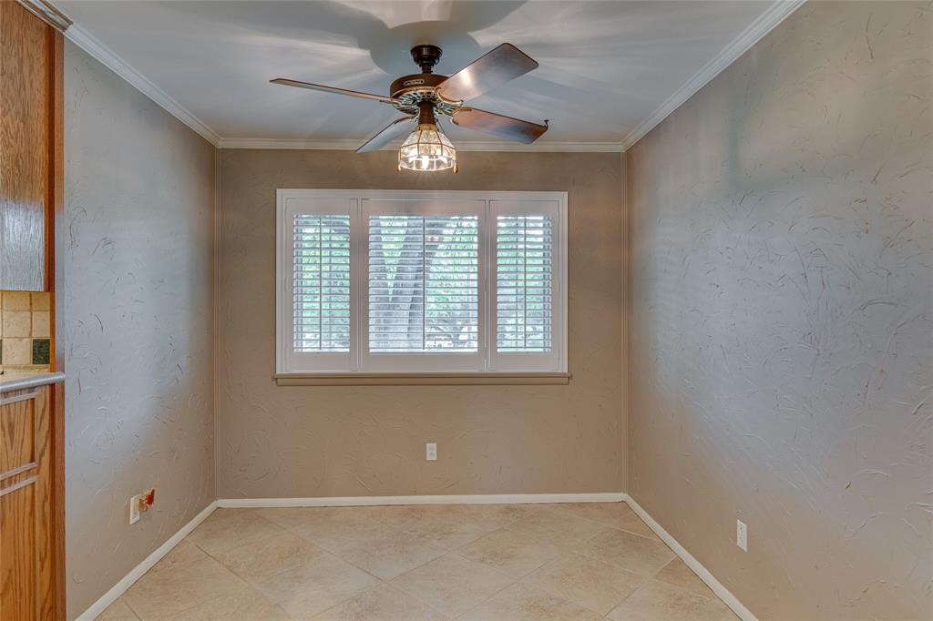 22 Shadowbrook  Lane, Hurst, Texas 76053 - acquisto real estate best real estate company to work for
