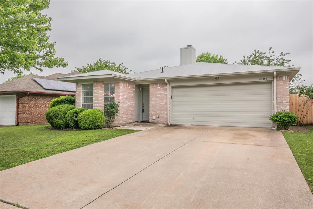 1605 Dorchester  Street, Fort Worth, Texas 76134 - acquisto real estate best the colony realtor linda miller the bridges real estate