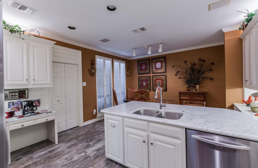 6917 Hillpark  Drive, Dallas, Texas 75230 - acquisto real estate best celina realtor logan lawrence best dressed realtor
