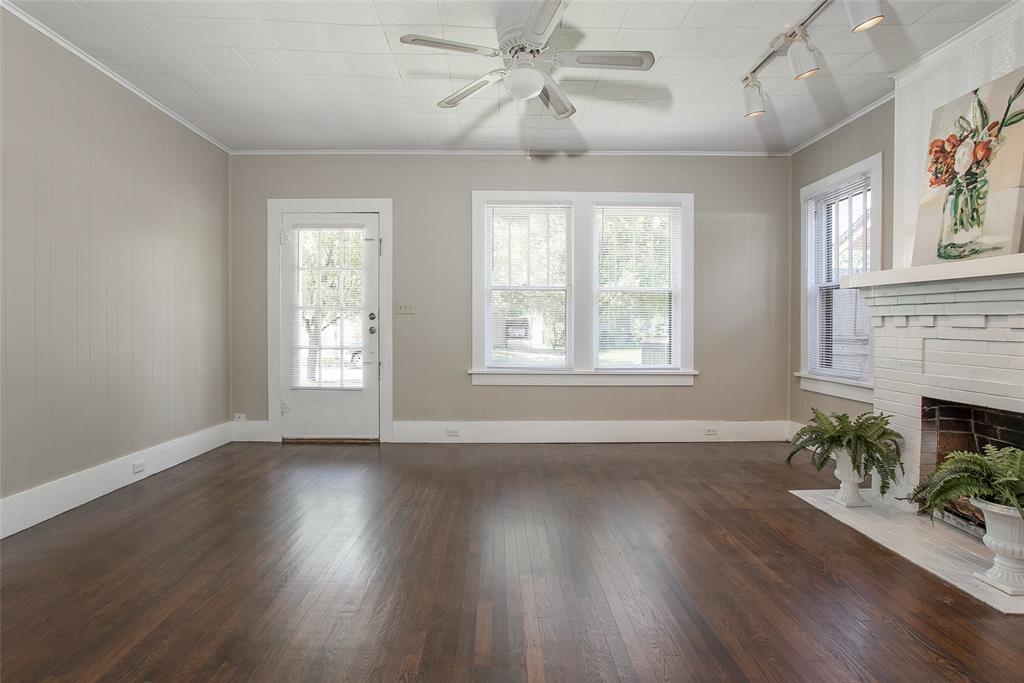 1012 Orange  Street, Fort Worth, Texas 76110 - acquisto real estate best highland park realtor amy gasperini fast real estate service