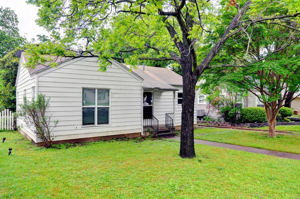 4921 Pershing  Avenue, Fort Worth, Texas 76107 - acquisto real estate best allen realtor kim miller hunters creek expert