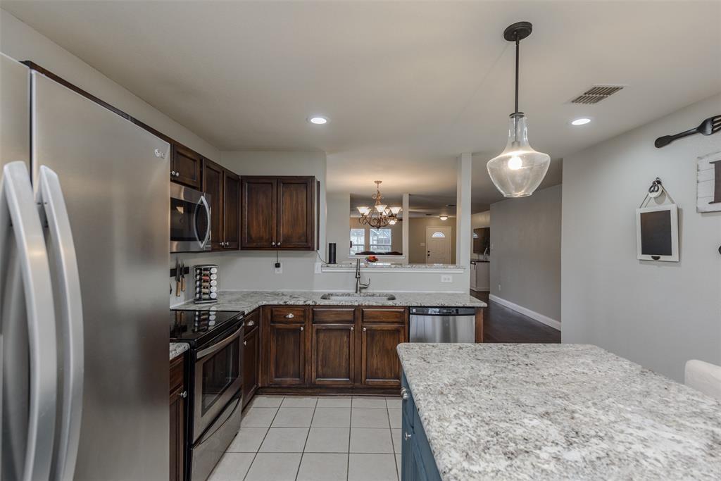 2921 Desert  Drive, Denton, Texas 76210 - acquisto real estate best photos for luxury listings amy gasperini quick sale real estate