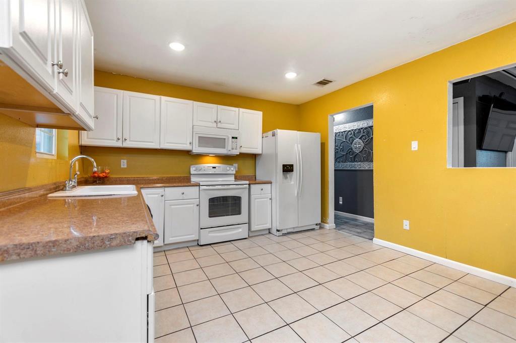 5701 Hanson  Drive, Watauga, Texas 76148 - acquisto real estate best frisco real estate agent amy gasperini panther creek realtor